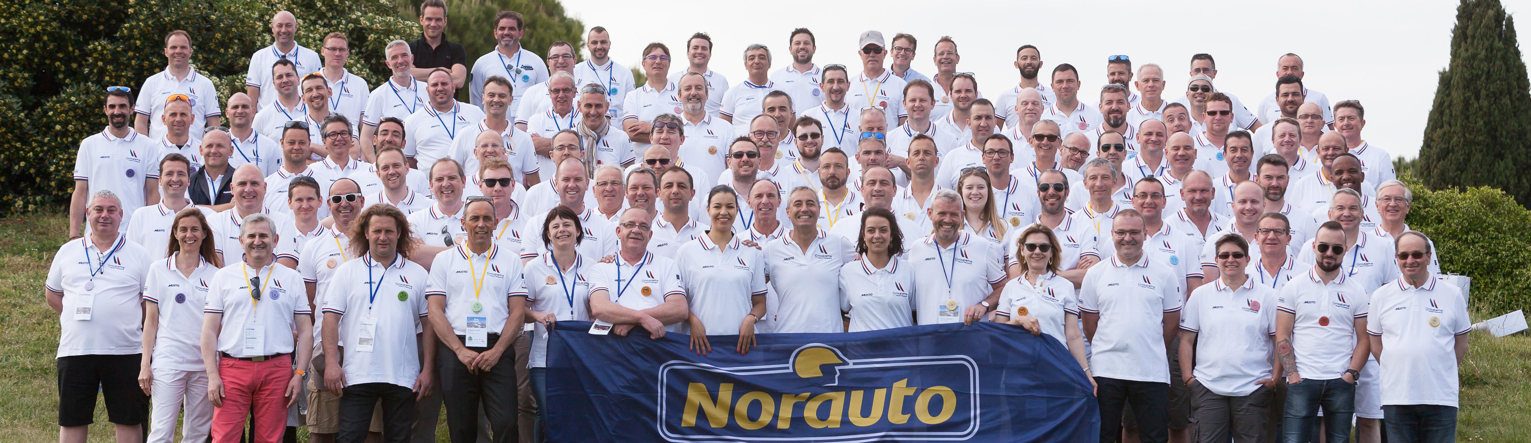 Photo de groupe des collaborateurs Norauto